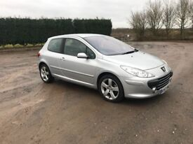 Peugeot 307 2.0 HDI Sport top spec, leather, xenons, parrot, low miles