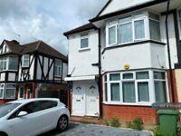 2 bedroom flat in Kenmere Gardens, Wembley, HA0 (2 bed) (#1071304)