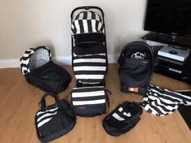 Oyster 2 Humbug Vogue 3-in-1 Travel System in Excellent Condition with Maxi-Cosi Easy Base 2!!