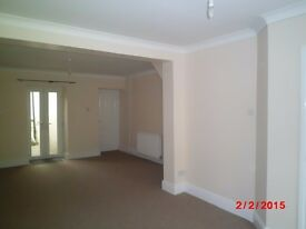Modernised 2 bedroom house with garden close to Ebbw Vale town centre & Willowtown Primary School