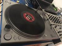 Pair of Stanton str8 direct drive turntables with Stanton carts and needles