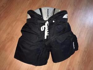 plusieurs culottes de gardiens de buts SENIOR small à extra-large de 30$ et plus