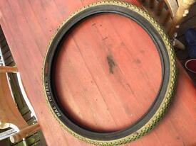 Halo Twin Rail Tyre