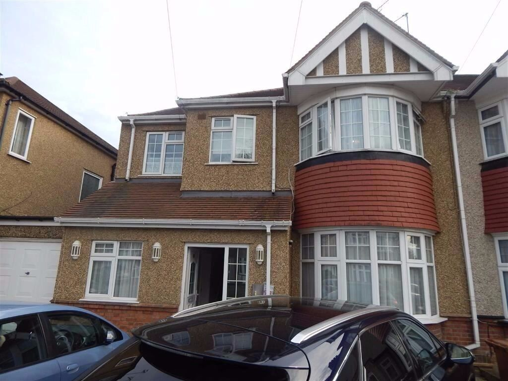 A large double room with Ensuite bathroom with short walk to North Harrow underground station