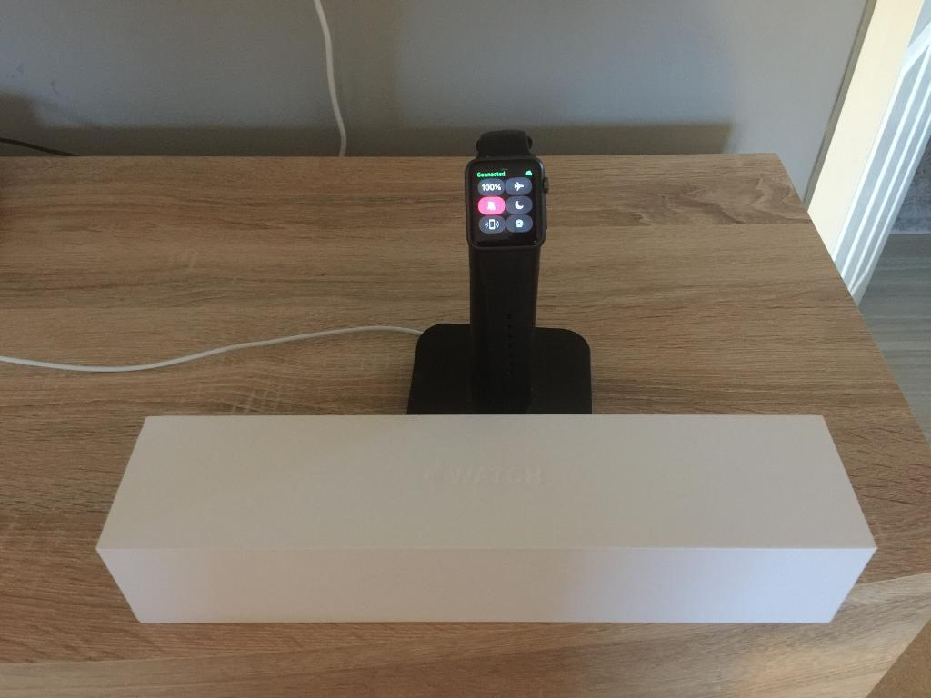 Apple iWatch Sports Series 1 - 42mm