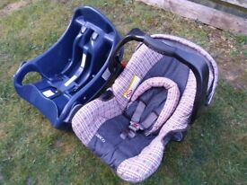 Graco car seat - group 0