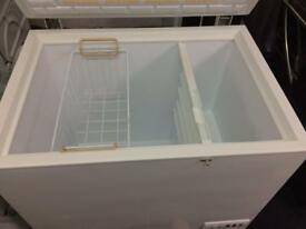 White norfrost W 85cm chest freezer good condition with guarantee bargain