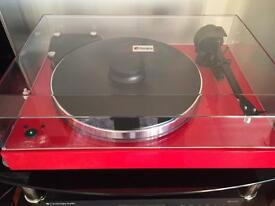 Project Xtension 9 Evolution, fitted with Audio Technical Mc Cartridge.