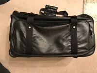 Oakley Small Case with Wheels : Not suitable for hand luggage only flights