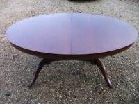 M&S OVAL DINING TABLE 70 INCHES EXTENDING TO 90 INCHES