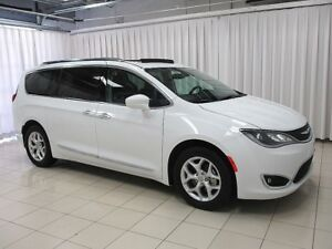 2017 Chrysler Pacifica EXPERIENCE IT FOR YOURSELF!! MINIVAN 7PAS