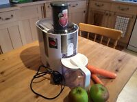 Braun J500 Juicer - as new, brilliant juicer bought for specific reason but no longer required