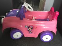 Feber Disney Minnie Mouse. COnvertible motorised car