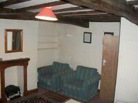 2 bedroom flat to let in Ashbourne