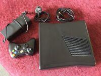 Microsoft XBox 360 S 4 GB Kinect ready