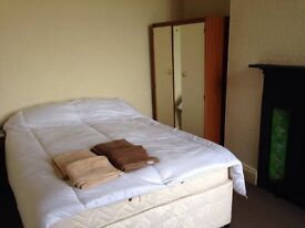 Double Rooms in large Victorian terraced house