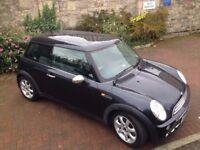Mini Cooper 2005 / Panoramic Glass Roof / Metallic Black / 1.6 / Hatchback