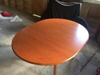 Dining table, either 4 or extendable to 6. Good condition. £50.00