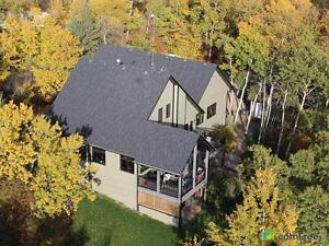 $779,900 - Acreage / Hobby Farm / Ranch in County of Camrose