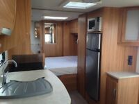 2013 Lunar Delta TI immaculate condition twin axle transverse bed end washroom