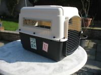 Petmate medium size ultra vari kennel airline approved