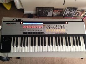 Novation SL 49 MKII midi keyboard with auto map