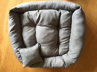 Brand New Luxury Soft Dog Bed Grey Linen Look Fabric