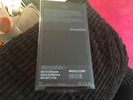 iPhone 7 plus jet black 128gb on 02 sealed