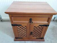 Solid Wooden Lattice cabinet