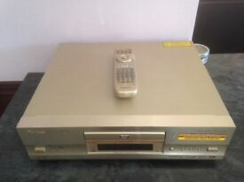 Pioneer DV737 DVD Player with remote control