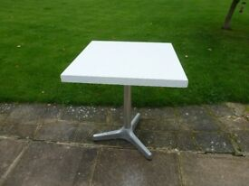 NICE HANDY LITTLE TABLE ONLY £10 (xmas tree)