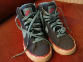 Nike High Tops size 4