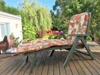Grosfillex Sun Lounger Chair with cushion