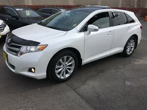 2016 Toyota Venza XLE, Automatic, Navigation, Leather, Back Up C