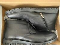 Brand new Genuine Leather boots - size UK8 / EU41