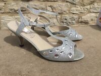 Size 7 silver & diomond shoes