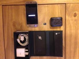 Samsung S7, 32gb + 64gb memory card, pristine condition, 1 month old