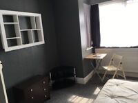 2 Large double rooms for single occupancy