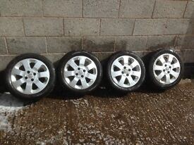 Set of 4 Corsa SXi 15 inch alloy wheels with 4 very good tyres