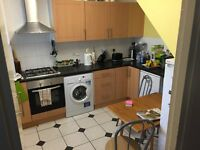 EXTRA LARGE DOUBLE ROOM TO RENT INA VERY CLEAN FLATSHARE,NEXT TO TUBE STATION CANADA WATER SE16