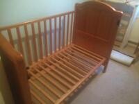 Mama & Papas cotbed with cot-top changer