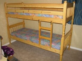 Traditional style Bunkbeds with matresses