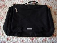 PULLMAN BAG. STRONG HEAVY DUTY CARRYING BAG. IDEAL FOR LAPTOP ETC..