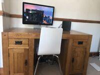 Solid Oak Desk. (study or office)