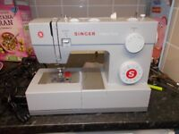 SINGER 4423 SEWING MACHINE CURRENT MODEL . HEAVY DUTY .