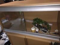 4 foot vivarium with extras