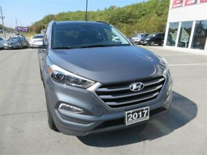 2017 Hyundai Tucson SE 2.0 *Heated Seats + Wheel *Leather *Pano