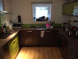 **NEWLY REDECORATED - NO ADMIN FEES** LARGE 2 BEDROOM MAISONETTE - ROYAL COLLEGE STREET (NW1)