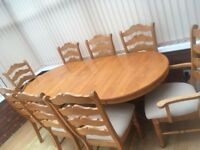 Extendable Oak Dining Table & 8 chairs