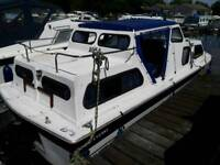 Weston 670 Broads cruiser